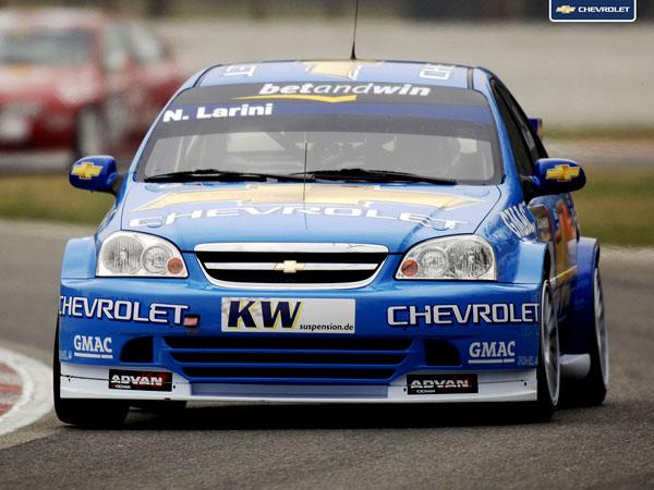 První WTCC vítězství pro Chevrolet!