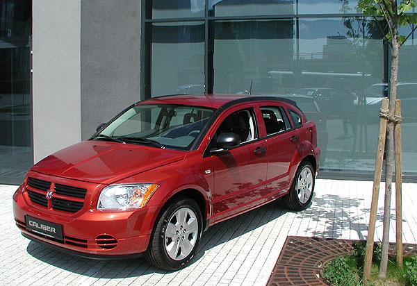 Nový pětidveřový Dodge Caliber na našem trhu