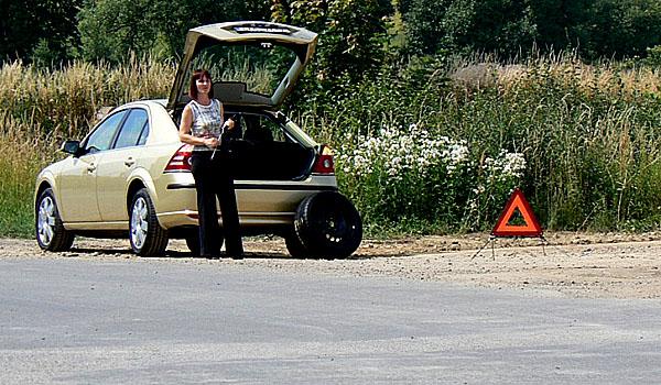 Zkušenosti českých řidičů sdefektem pneumatiky