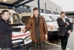 Deset sanitek Ford Pražské záchranné službě