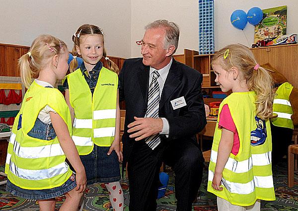 Světový výrobce pneumatik Goodyear chce přispět ke zvýšení bezpečnosti dětí vmateřských školkách vČR i na Slovensku