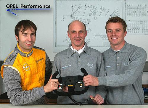Heinz-Harald Frentzen bude vroce 2004 závodit všampionátu DTM