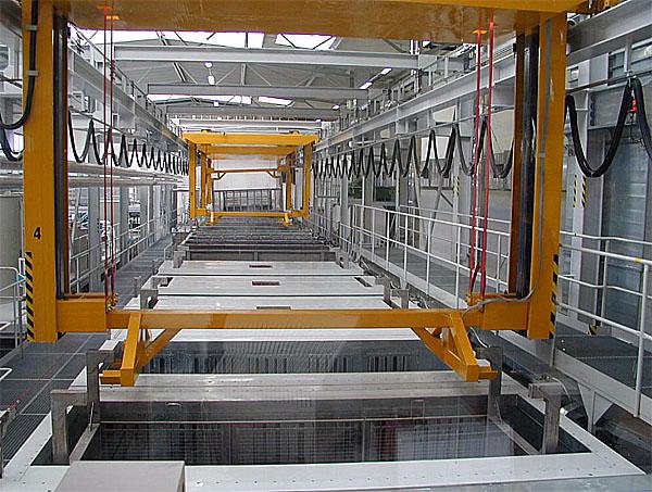 Nový úsek závodu vHolýšově u Plzně pro výrobu segmentů karosérií Mercedes-Benz a Setra firmy EvoBus GmbH byl slavnostně otevřen včera – 19. dubna.