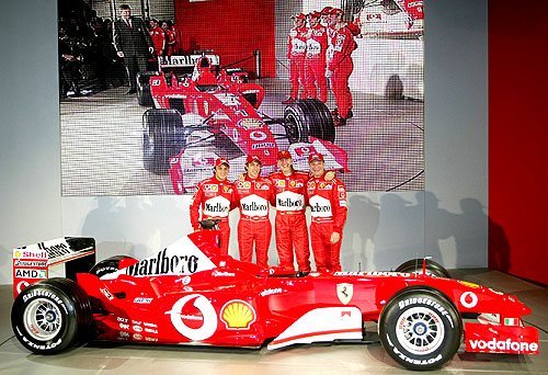 Ferrari F2003 GA pojede na zcela nové pohonné hmoty a maziva