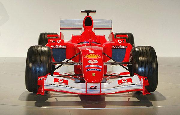Nový monopost Ferrari – F2004 označovaný číslem 655
