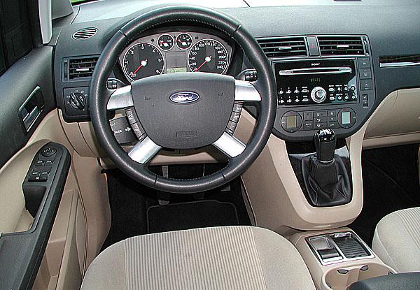 Elegantní Ford Focus C-Max vtestu redakce
