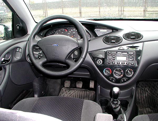 Ford Focus snovým turbodieslovým motorem vredakčním testu