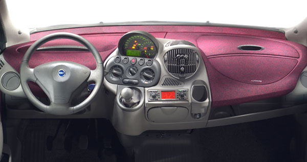 Nový Fiat Multipla: více standardních funkcí, lépe vybavené interiéry, zvýšená bezpečnost a nové doplňky výbavy