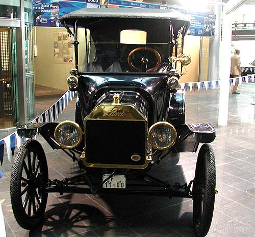 Ford Motor Company, druhá největší světová automobilka, slaví letos sté narozeniny
