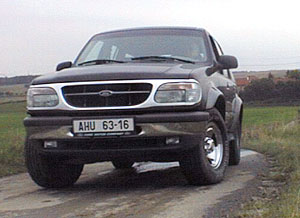 Ford Explorer – automat na silnici i v terénu