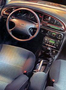Ford Mondeo 1999: Ve všech směrech lepší
