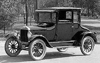 Ford T automobilem století
