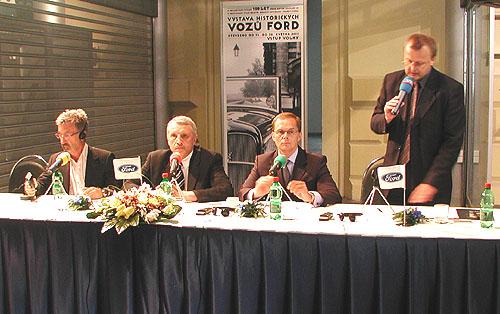 15. května proběhla vPraze významná tisková konference Ford Motor Company, s.r.o., které se zúčastnil Eddie Jordan a Antonín Charouz, manažer závodního jezdce Jarka Janiše