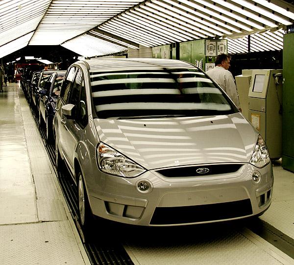 Úspěšný rychlý start prodeje nových Fordů S-MAX a Galaxy