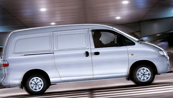 Hyundai řady H-1 snovým motorem 2,5 CRDi VGT