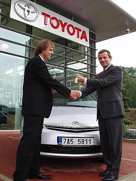 Hybridní Toyota Prius oslovuje významné firmy - fleetové zákazníky