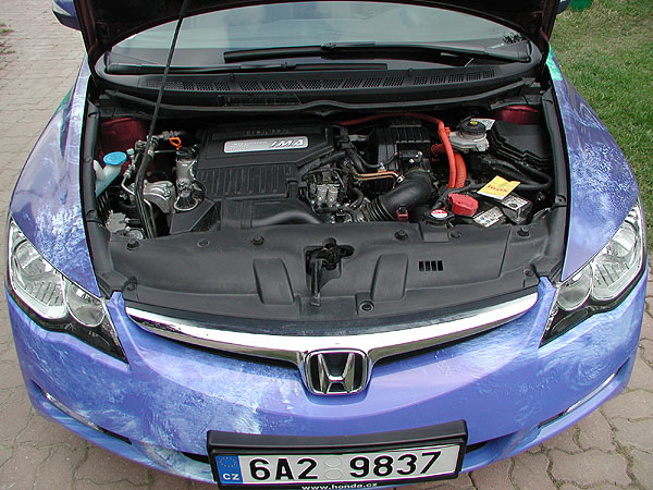 Hybridní sedan Honda Civic v testu redakce