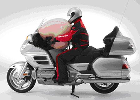 Honda představuje světově první airbag systém pro sériově vyráběné motocykly