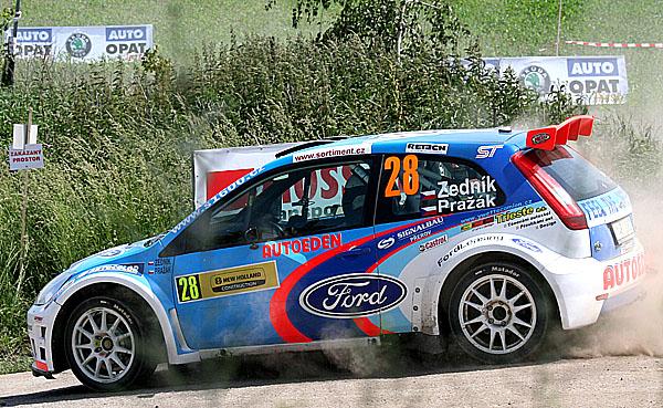 MMČR: Ford Fiesta vítězí 30. – 31. května 2008 mezi vinicemi vHustopečích u Brna