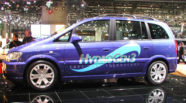 Prototyp automobilky Opel poháněný palivovými články – Hydrogen 1