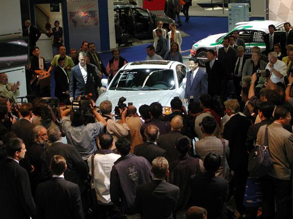 Hyundai na autosalonu ve Frankfurtu 2001