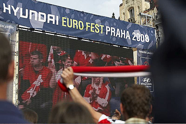 Vsobotu odstartovalo EURO 2008 a první zápas ČR na Staroměstském náměstí