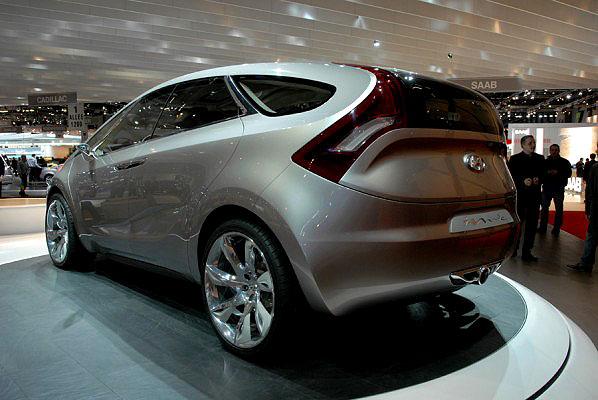 """Na Ženevském autosalonu Hyundai představuje studii vozu pro šest pasažérů HED-5 """"i-mode"""""""