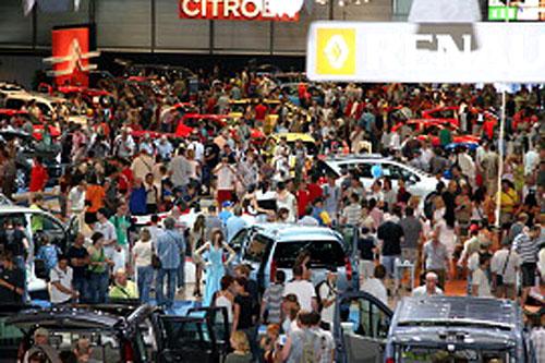 Desítky tisíc návštěvníků vzaly útokem AUTOSALON BRNO 2007