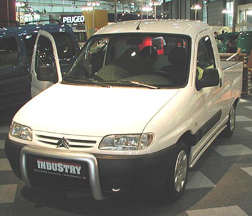 Citroen na autosalonu užitkových a nákladních automobilů Autotec 2002