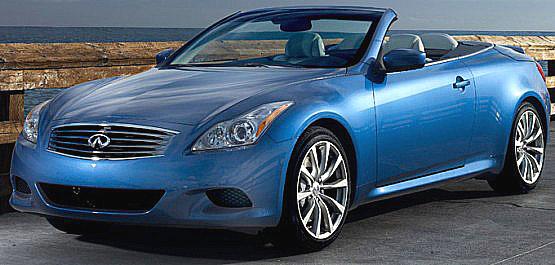Infiniti, výrobce luxusních japonských vozů oznámilo spolupráci sLouis Vuitton, luxusní francouzskou fashion značkou