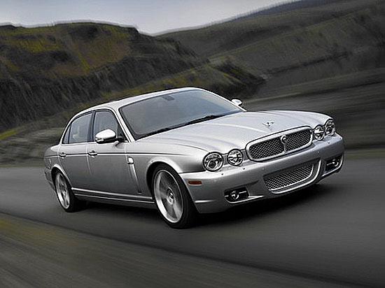 Nový luxusní Jaguar XJ pro rok 2008