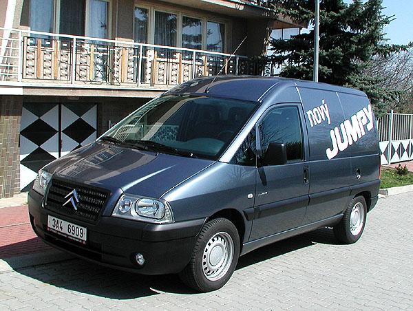 Nový Citroen Jumpy - dodávka, polokombi i devítimístná osobní verze.
