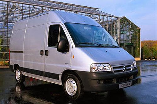 Autotec 2002: Citroen vystavuje kompletní řadu užitkových vozů