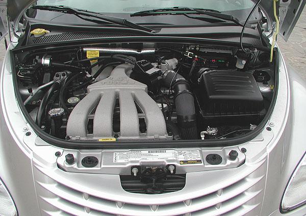 Nový kabriolet Chrysler PT Cruiser byl včera 6. dubna představen novinářům