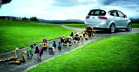 """Televizní reklamní kampaň SEATu prezentovaná pod heslem """"Power to the family"""""""