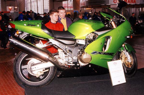MOTOCYKL 2000: Vydařená přehlídka před jarní sezonou