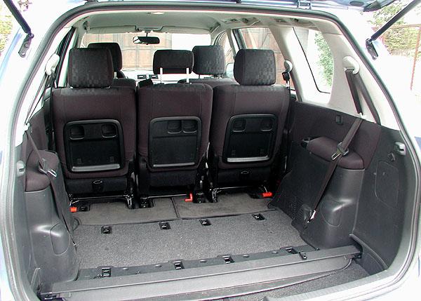 Elegantní Toyota Avensis Verso se sedmi sedadly v testu redakce