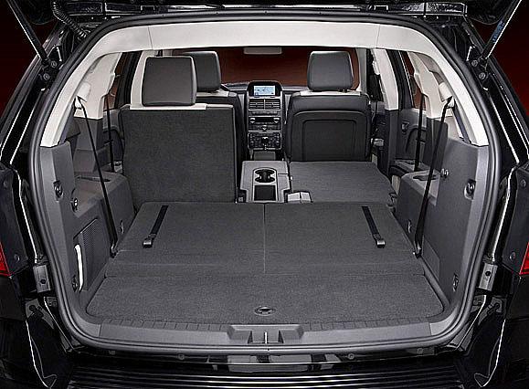Nový Dodge Journey se sebevědomým designem, praktický, bezpečný, prostorný s variabilním vnitřním uspořádáním