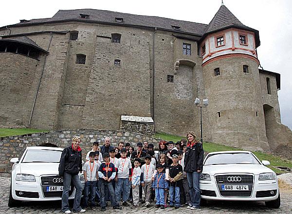 Ve festivalových limuzínách Audi se jako první svezly děti zdětských domovů