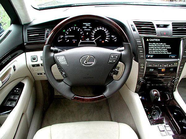 Lexus LS 460 – reprezentační sedan luxusní značky - v testu redakce