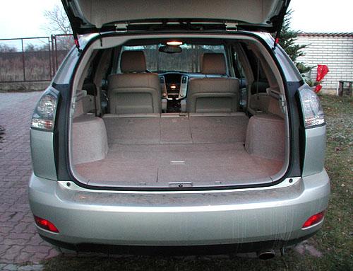 Lexus RX 300 se stálým pohonem všech kol s řadou technických novinek v testu redakce