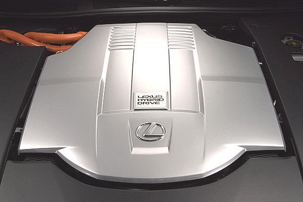 LEXUS LS 600h – velmi podrobně o převratné novince na autosalónu v Paříži