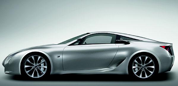 Vývojová studie ultra-výkonného sportovního vozu Lexus LF-A na autosalonu v Ženevě