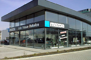 Mazda vnovém středisku vPraze 5 Butovice