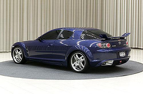 Modely Mazda na lednovém mezinárodním autosalonu vTokiu