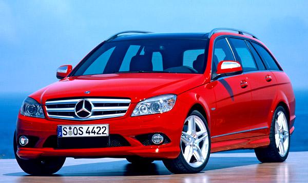 Sedan Mercedes Benz Třídy C v čele prodejů
