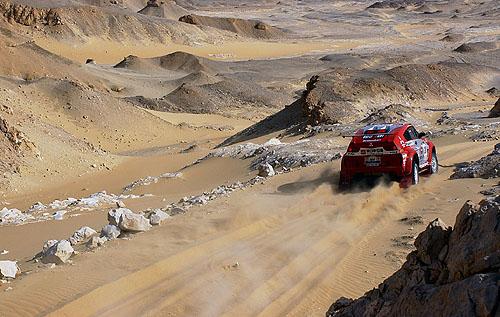 Mitsubishi po 13. etapě soutěže Dakar 2003 jsou stále na prvních pěti místech