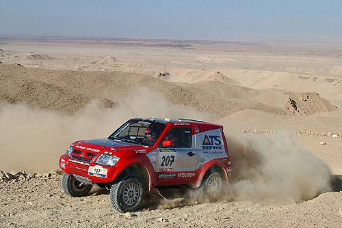 Mitsubishi po 14. etapě soutěže Dakar 2003 jsou stále na prvních pěti místech