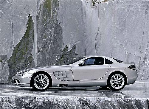 Mercedes-Benz navazuje nalegendu sportovních vozů