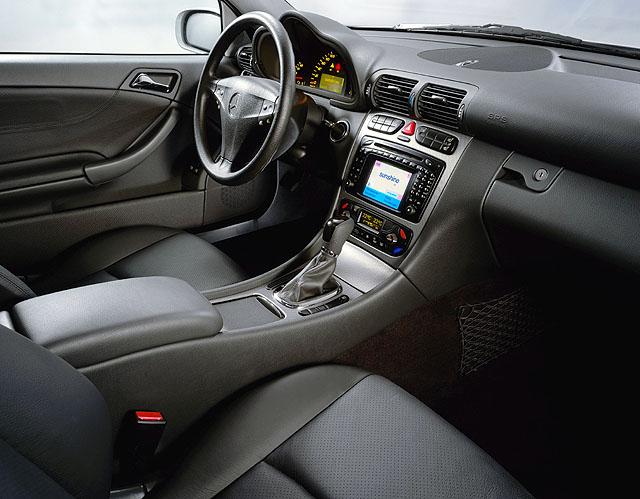Sportovní kupé Mercedes Benz třídy C ve světové premiéře 28.září na letošním pařížském autosalonu.